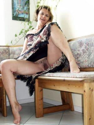 Marie-Bernadette vieille femme au foyer
