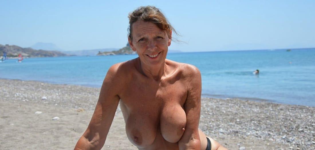 gros seins nus dominatrice hard
